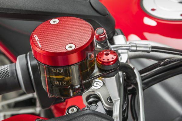 使用DOT4規格的煞車油