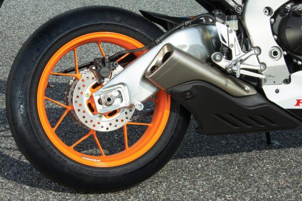 如何選擇大型重機煞車來令片規格與煞車皮介紹