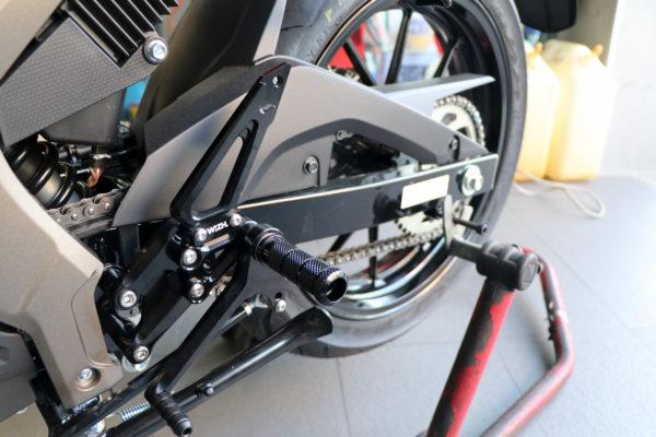 欣炫 SUZUKI GSX R150 W!ZH-欣炫 腳踏後移台灣製造